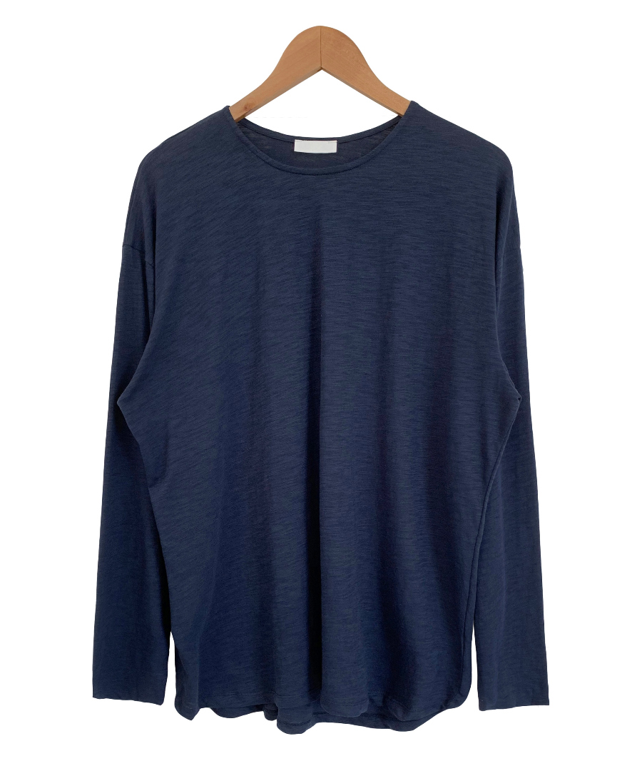 long sleeved tee color image-S5L9